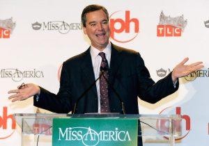 Presidente de Miss EEUU renuncia tras filtración de mensajes misóginos