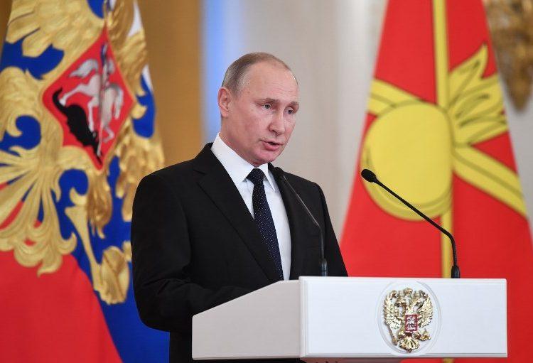 """Putin ordena """"liquidar"""" a los autores de atentados que amenacen a la policía"""
