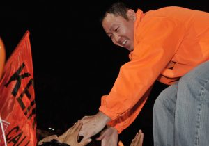 Permanencia de Kuczynski favorece indulto a Fujimori
