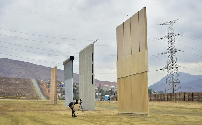 Traficantes agradecen a Trump la idea de su muro