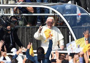 ¿Por qué atacan iglesias y al Papa en Chile?