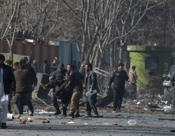 """¿Qué se sabe del ataque de una """"ambulancia bomba"""" en Kabul?"""
