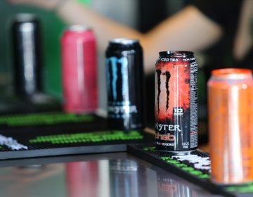 Bebidas energéticas tienen impacto negativo en jóvenes