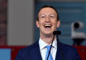 """Zuckerberg busca """"solucionar"""" el odio y el abuso en Facebook en 2018"""