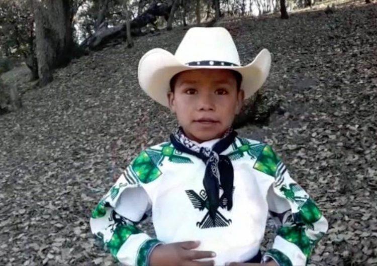 Yuawi aprovecha su fama para relatar las carencias que sufren los niños indígenas