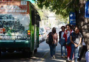 Sancionan por contaminación a 300 unidades de transporte público