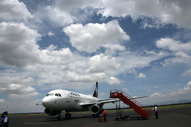 Reconoce Orozco derroche en aviones con CLT