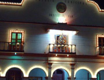 Se dan ediles de Huejutla bono de 20 mil pesos