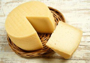 ¿Por qué el queso manchego divide a México y la UE?
