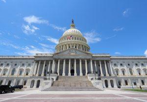 El gobierno de EE.UU. cierra por falta de fondos, ¿qué significa y cómo afecta?