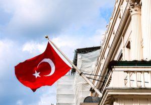 Turquía y EE.UU. lanzan advertencias mutuas de alerta de viajes