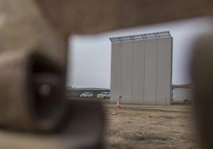 Los prototipos del muro fronterizo de Trump ya son una atracción turística