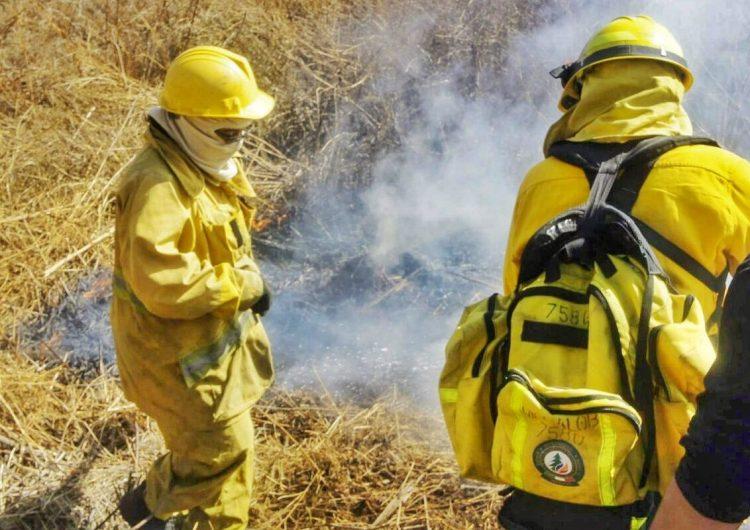 Capacitan a combatientes de incendios forestales