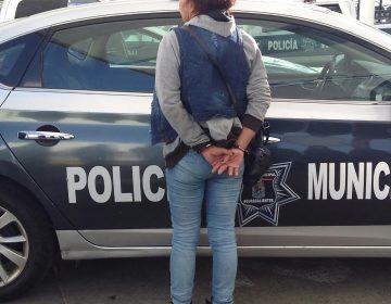"""Detienen vecinos a """"Asalta Viejitos"""" de El Encino"""