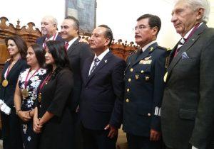 Seis poblanos recibieron presea Forjadores de Puebla