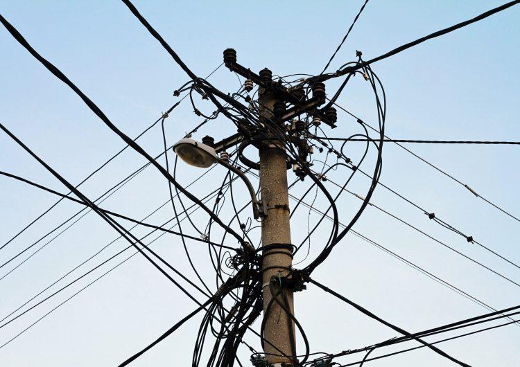 Resolverán aumento del 300% en tarifas de luz en BC