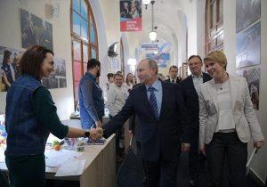 """¿Existe una """"Rusiafobia sin precedentes""""? Moscú afirma que vive la peor desde la Guerra Fría"""