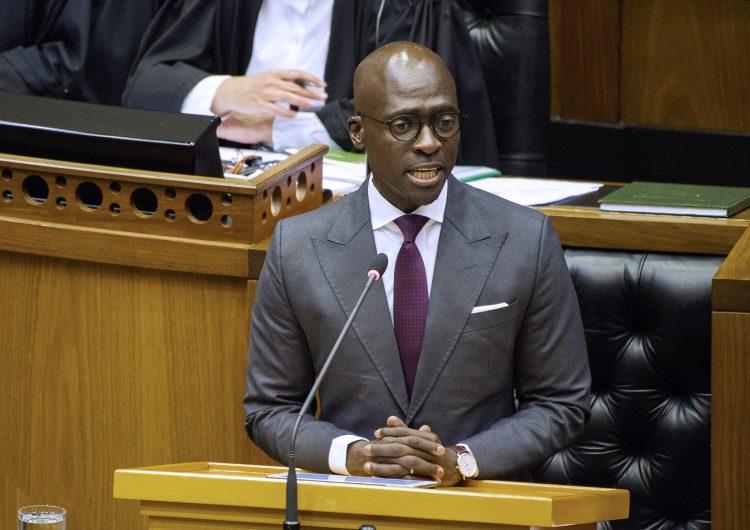 """""""Vamos a estar bien"""": ministro de finanzas de Sudáfrica cita Kendrick Lamar para hablar del aumento en impuestos"""