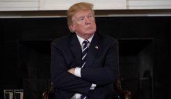Ante familiares de víctimas, Trump dice que analizará dar armas…