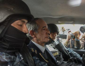 Detienen al expresidente de Guatemala, Álvaro Colom y 9 exministros por fraude y peculado
