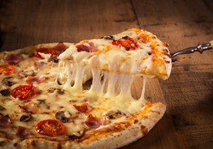 Una buena noticia: la pizza en el desayuno es más saludable que el cereal