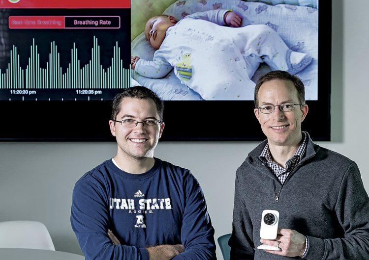 Un monitoreo luminoso: este dispositivo permite medir el latido del corazón solo con mirarlo