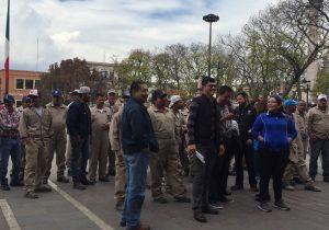 Renuncian servidores públicos por presunto hostigamiento