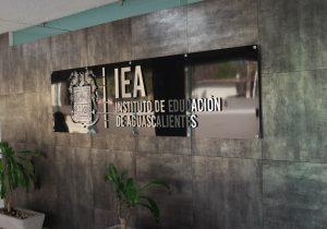 """En riesgo 30 mdp si """"teachers"""" no cobran por outsourcing"""