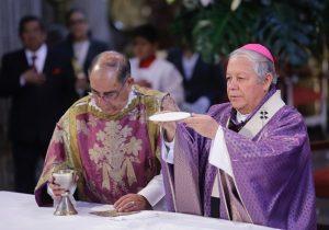 """Reportan """"pequeñas grietas"""" en Catedral de Puebla tras sismo"""