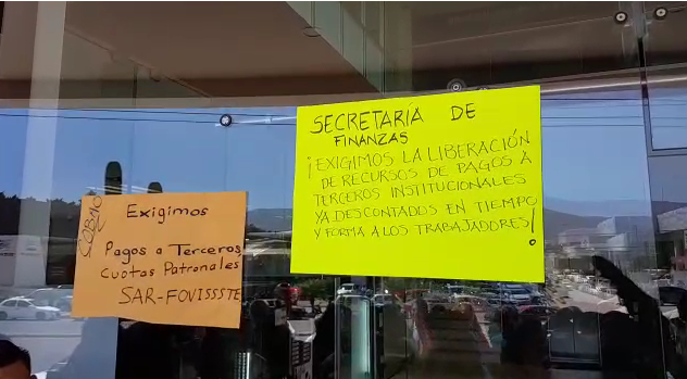 Trabajadores de Bachilleres en Oaxaca exigen pago de prestaciones; el COBAO no paga sus cuotas patronales… igual que los SSO