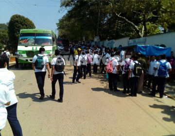 Alumnos quienes exigen subsidio al pasaje fueron golpeados  al intentar retener urbanos en Tuxtepec.