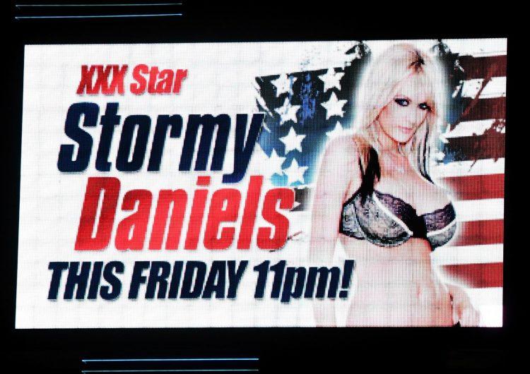 Actriz porno Stormy Daniels, dispuesta a hablar sobre encuentro con Trump