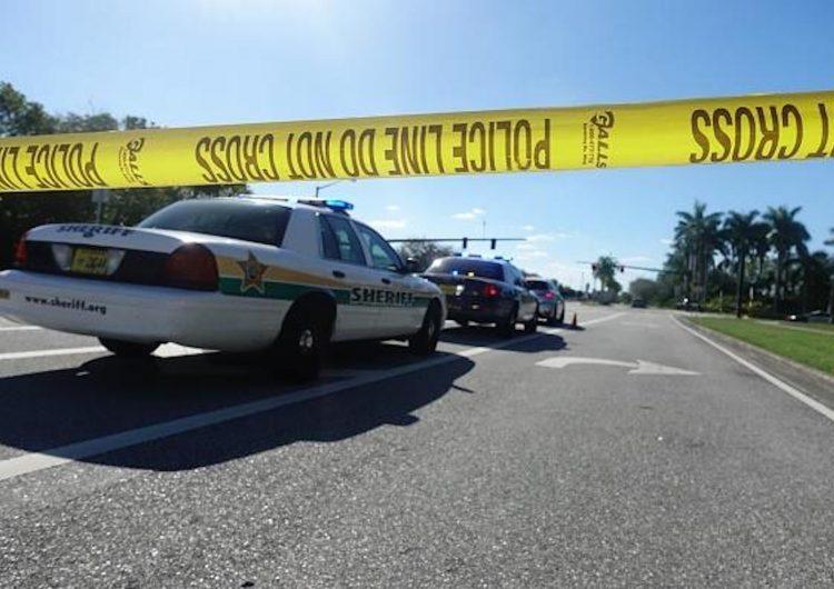 Los estudiantes llevan armas a las escuelas después del tiroteo en Florida