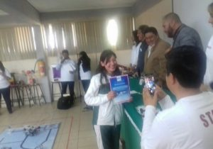 Alumnos de secundaria participaron en concurso de  robótica
