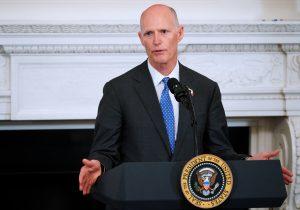 ¿Qué incluye la ley aprobada por el gobierno de Florida para armar a algunos maestros?
