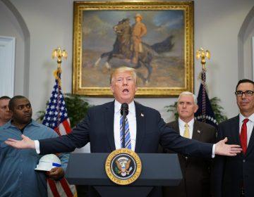 Trump grava el acero y el aluminio pese a advertencias sobre guerra comercial