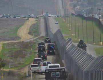 """Legisladora propone un muro """"extra"""" que divida a California y Arizona"""