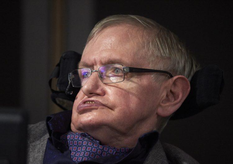 Stephen Hawking, el científico que aseguraba que Dios no creó el universo y que soñaba con vivir en el espacio