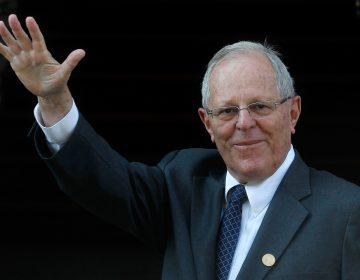 Congreso peruano acepta renuncia Kuczynski y evita proceso de destitución tras amenazas del expresidente