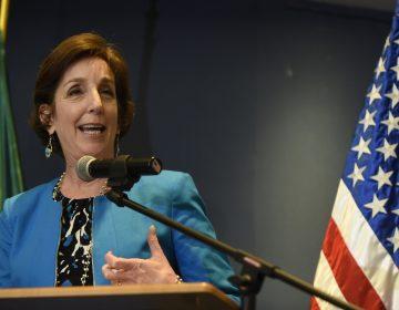 Roberta Jacobson, embajadora de EE. UU. en México deja el cargo y aumenta la tensión bilateral