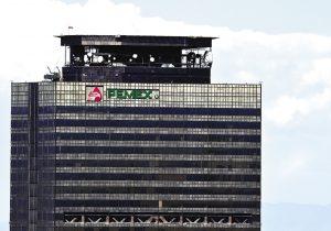 Pemex, la petrolera mexicana que cumple 80 años en medio de su peor crisis