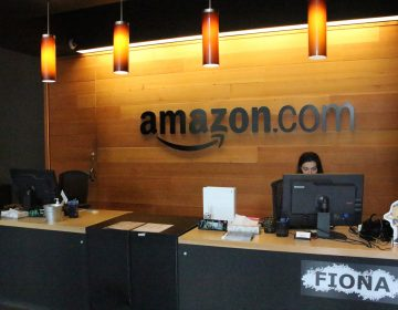 Trump afirma que Amazon estafa a la oficina de correos y que el Washington Post es su cabildero