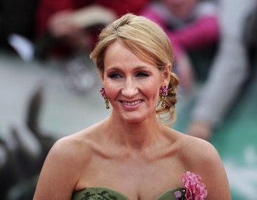 "J.K. Rowling, acusada de transfobia después de darle ""me gusta"" a un tuit"