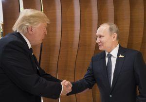 Trump ignora advertencias de asesores de seguridad y felicita a Putin por reelección