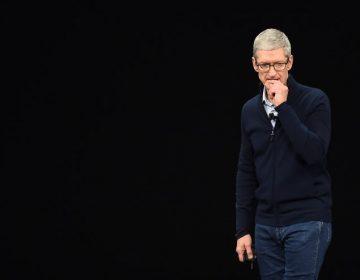 """La privacidad """"es un derecho humano"""": Apple reprocha a Facebook su modelo de negocios"""