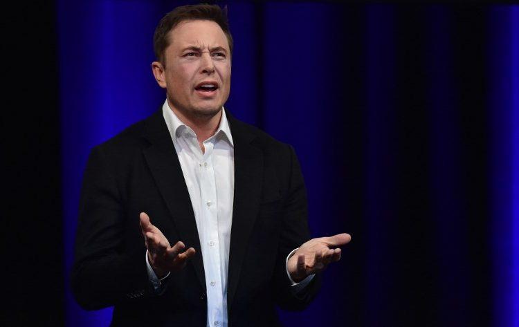 Elon Musk vender bloques piedra
