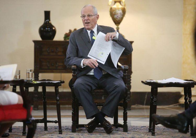 La fiscalía peruana allana dos propiedades de Kuczynski y un juez le prohíbe salir del país