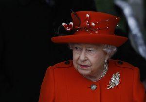 "Un ""secreto real"" sale a la luz: un adolescente neozelandés intentó asesinar a la reina Isabel II"