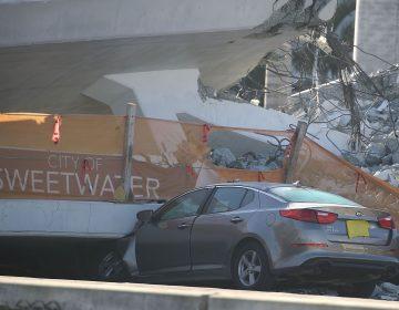Suman seis muertos por colapso de puente peatonal en Miami