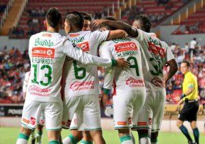 Rayos electrocutan al Zorro y avanzan en Copa MX